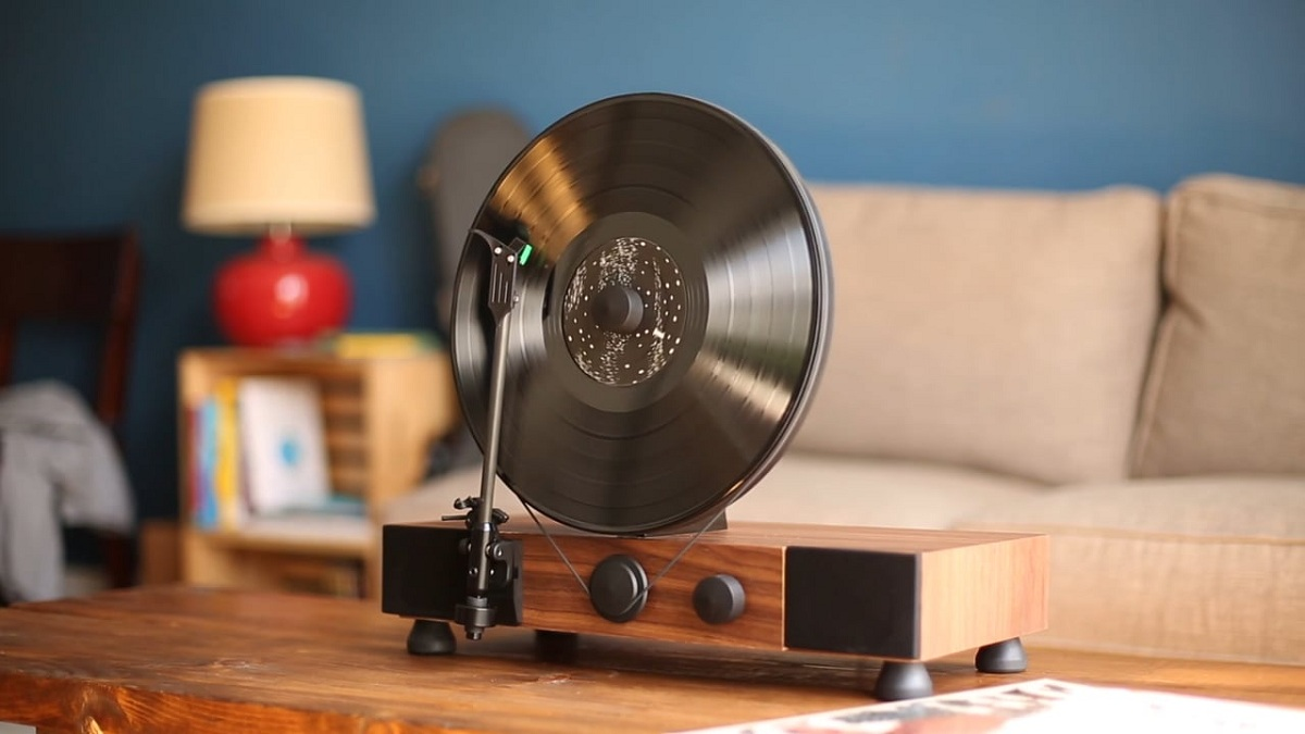 floating record de gramovox la platine vinyle verticale. Black Bedroom Furniture Sets. Home Design Ideas